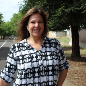 Bonnie Lind – Clovis Volunteer of the Year